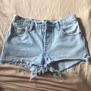 Levi's 501 high waisted shorts size 25
